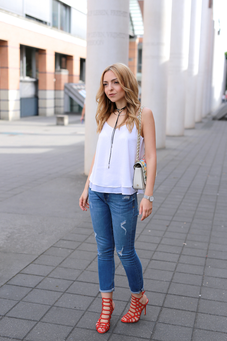 Want-Get-Repeat-Blog-White-Top-Summer-Essential-Outfit-01