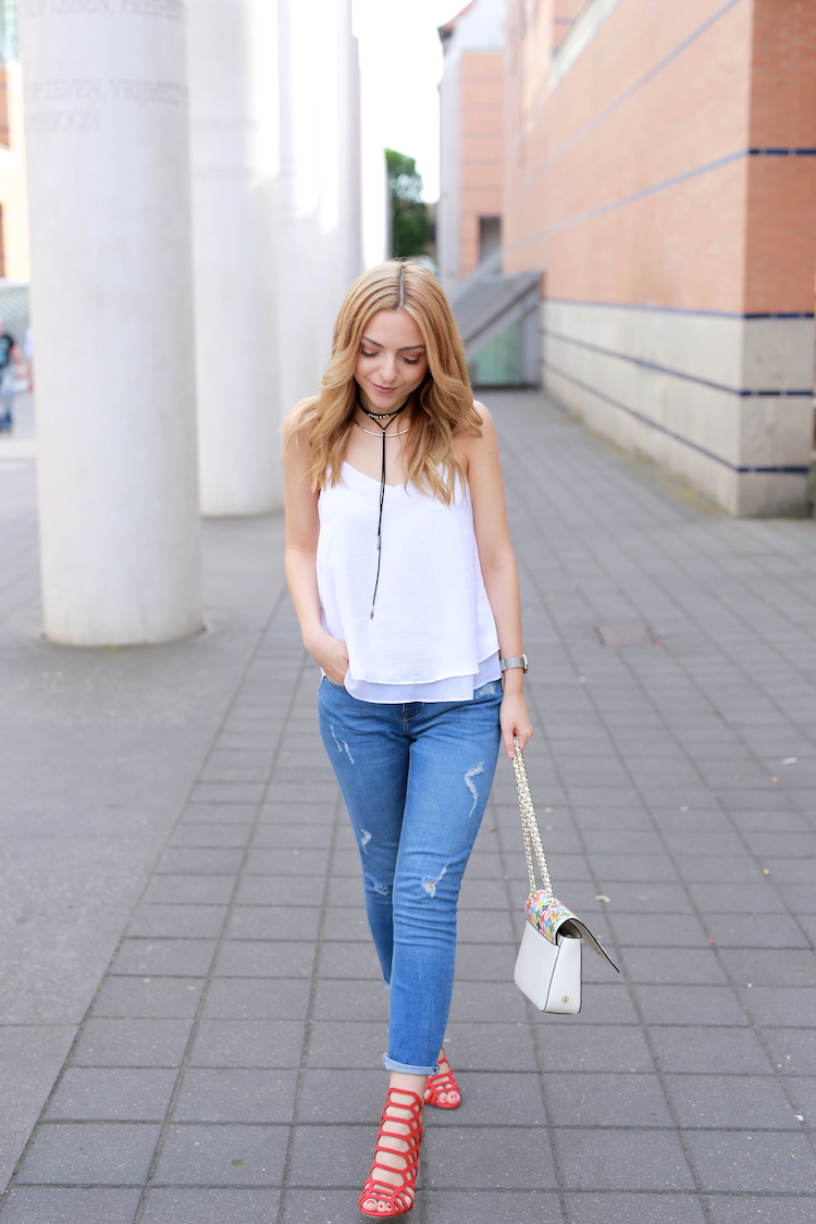 Want-Get-Repeat-Blog-White-Top-Summer-Essential-Outfit-05