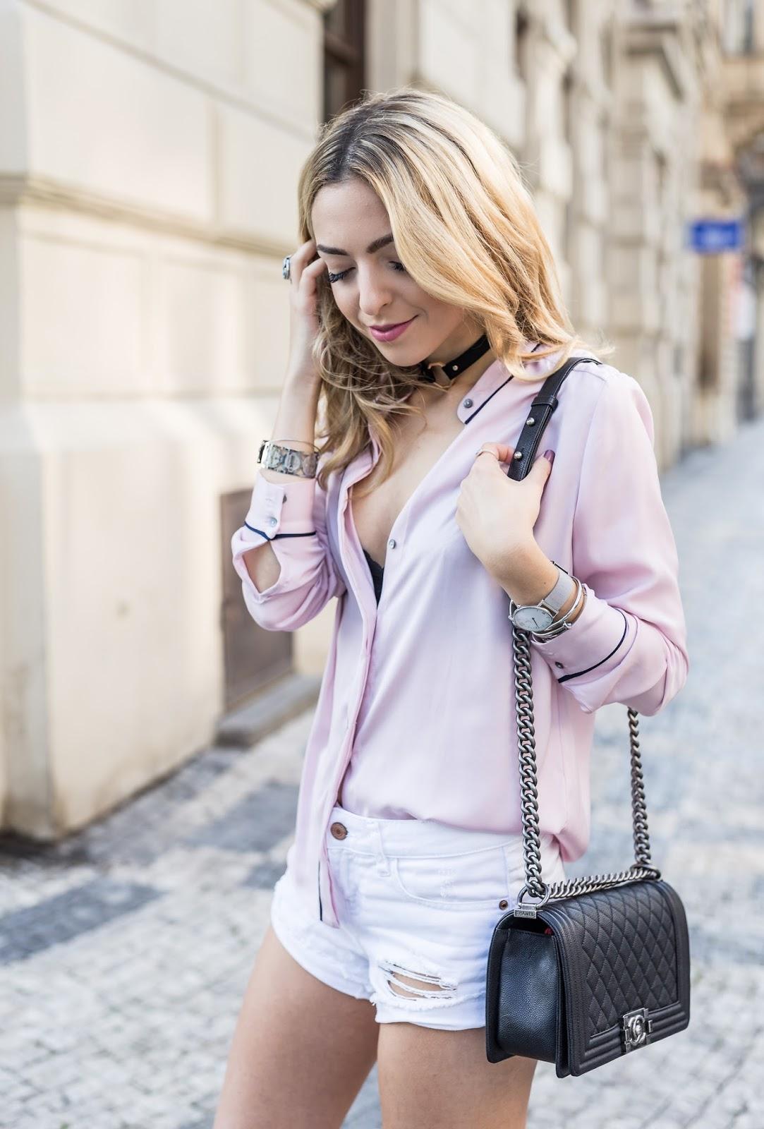 Streetstyle Pyjama Shirt Chanel Boy Bag Caviar Outfit