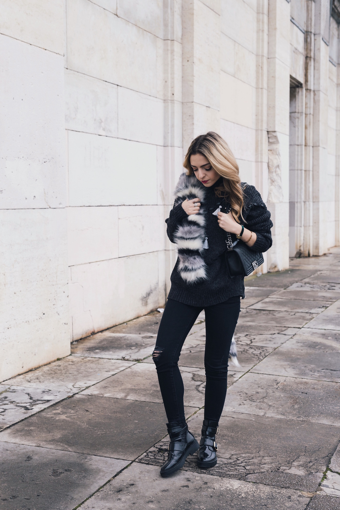 Want Get Repeat Streetstyle Cozy Outfit Fake Fur Cluse Watch