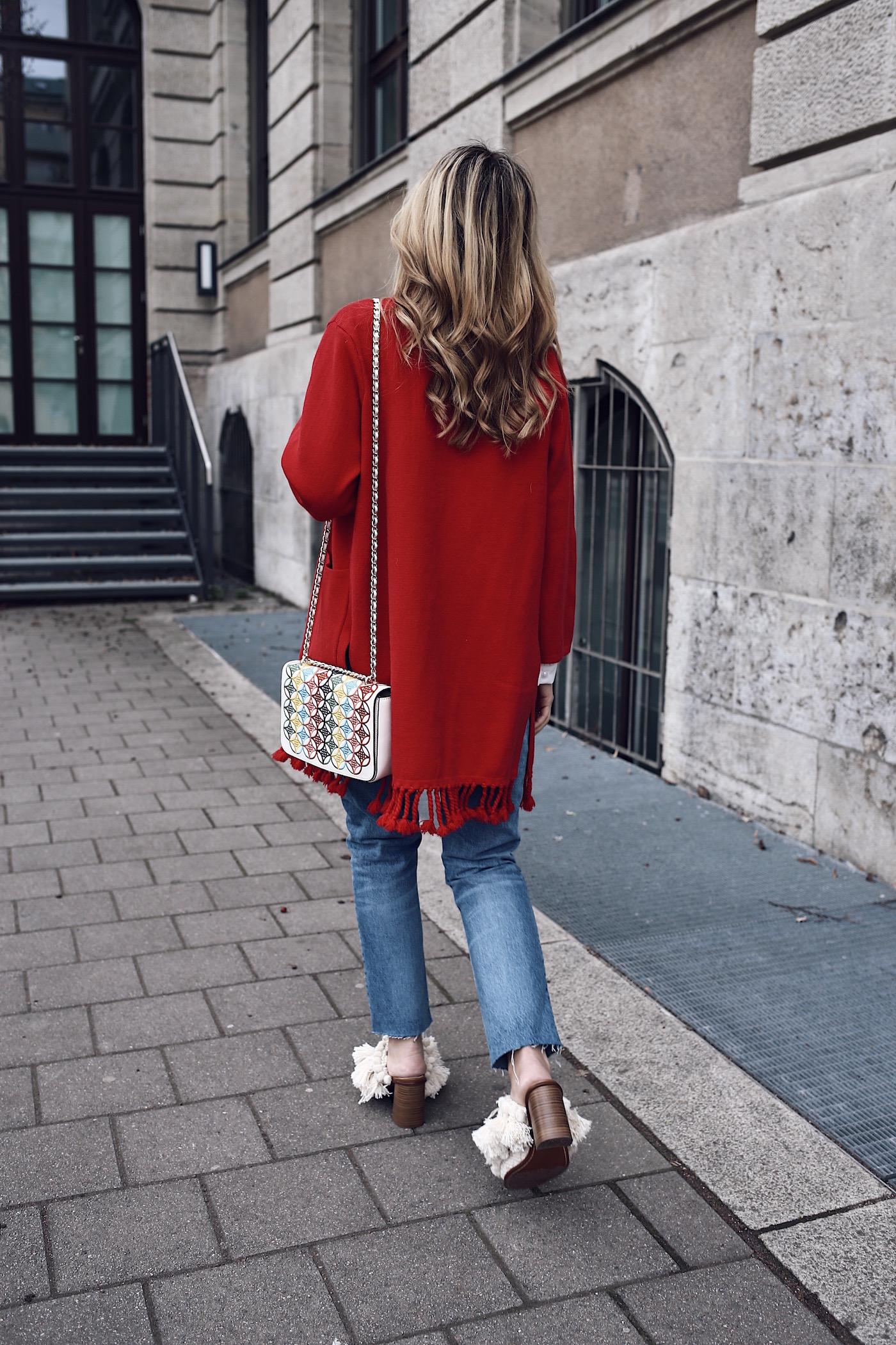 Pom Pom Sandals Tory Burch Bag Red Cardigan Street Style Fashion Blog Erlangen