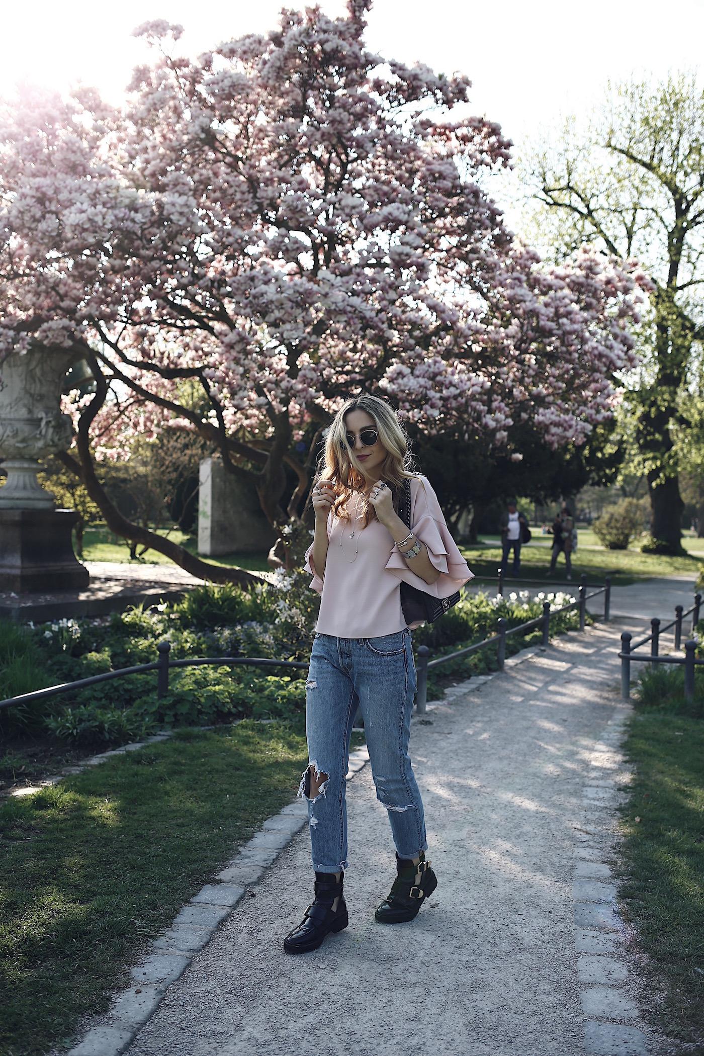 Fashion Blogger Clichés Cherry Blossom Want Get Repeat