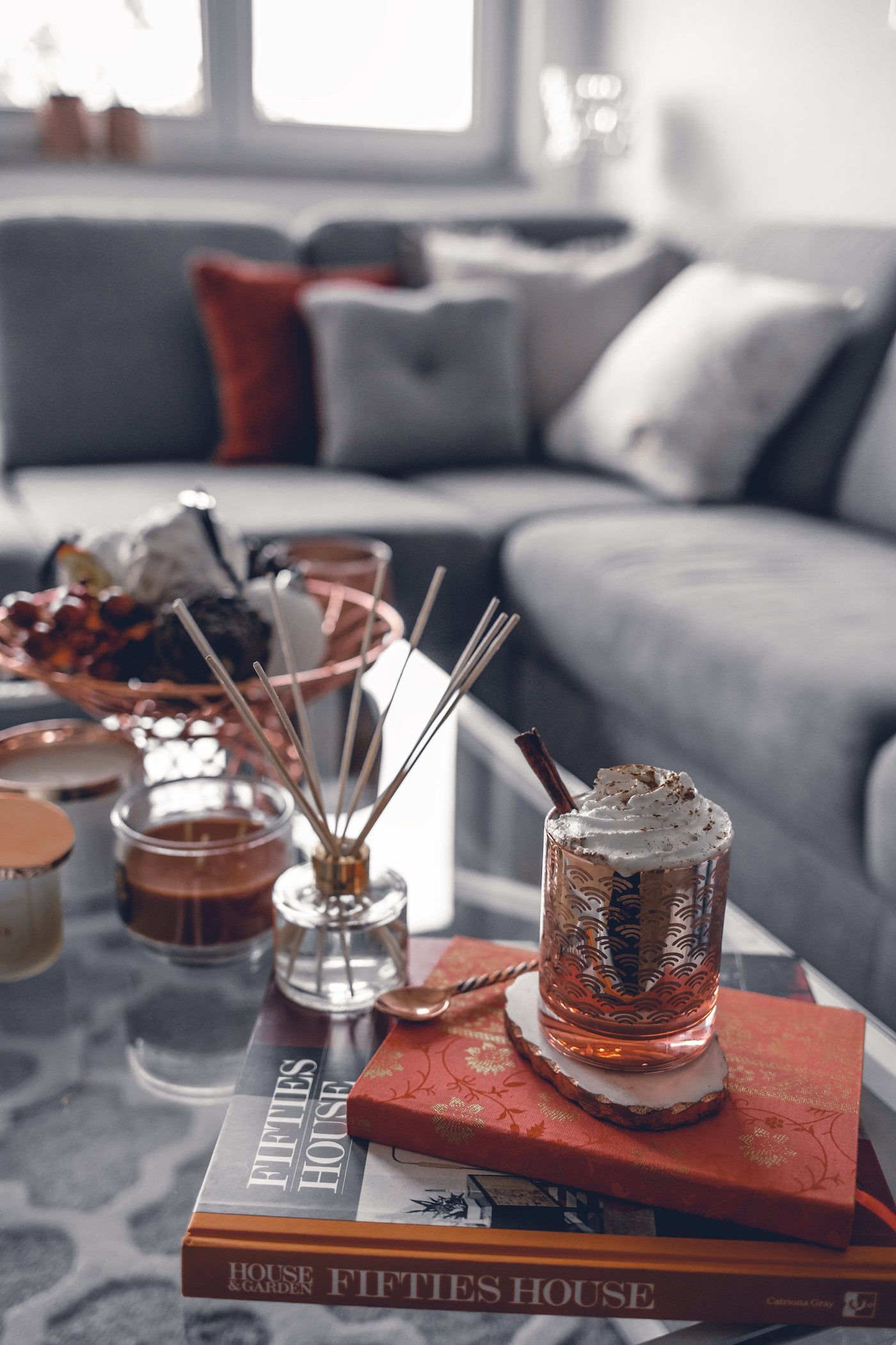 fall decor ideas for the home, 2017, living rooms, simple, autumn, center pieces, interior inspiration | Seen on wantgetrepeat.com