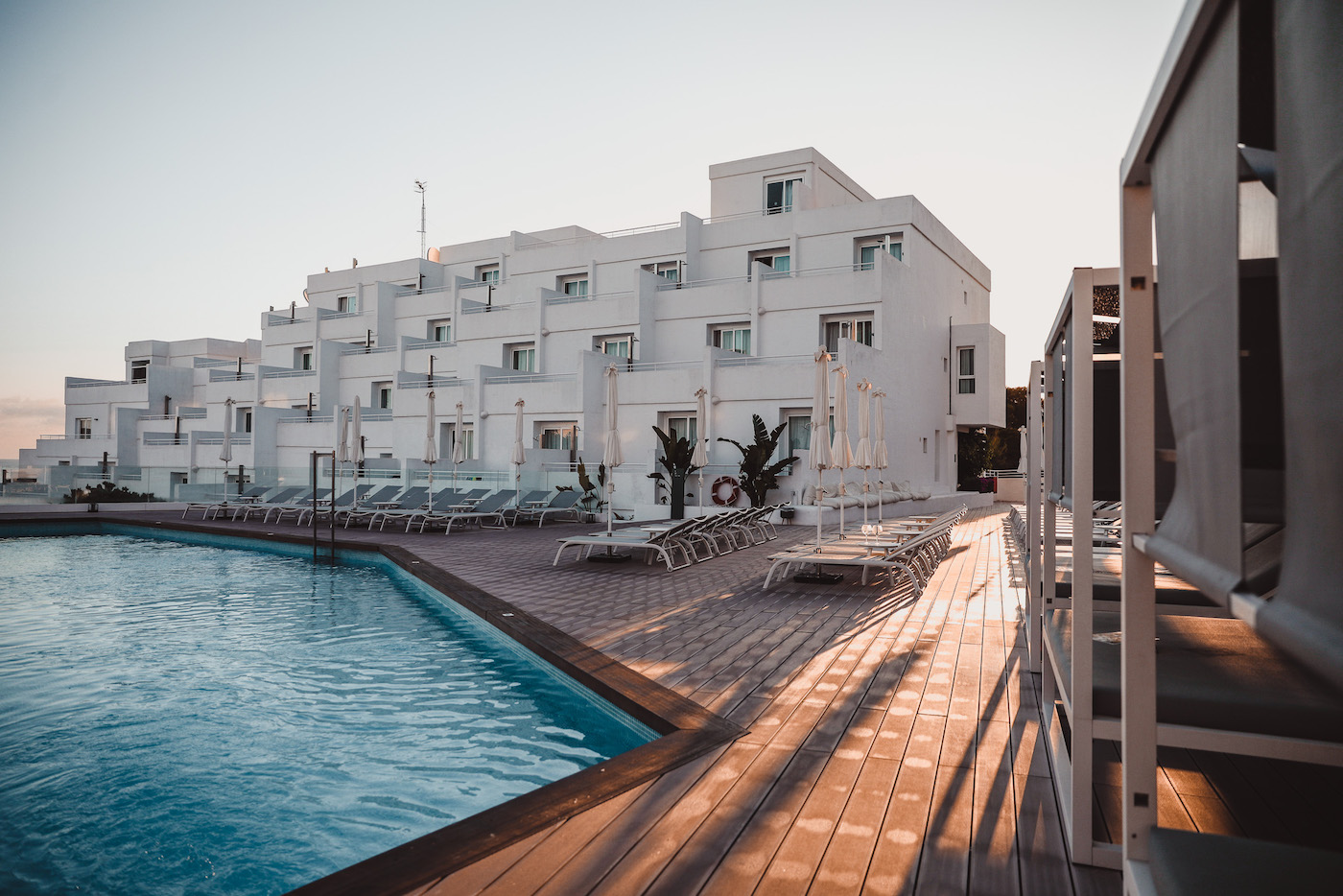 Ibiza 2018: How it really is to travel with 2 bloggers & our stay at ...